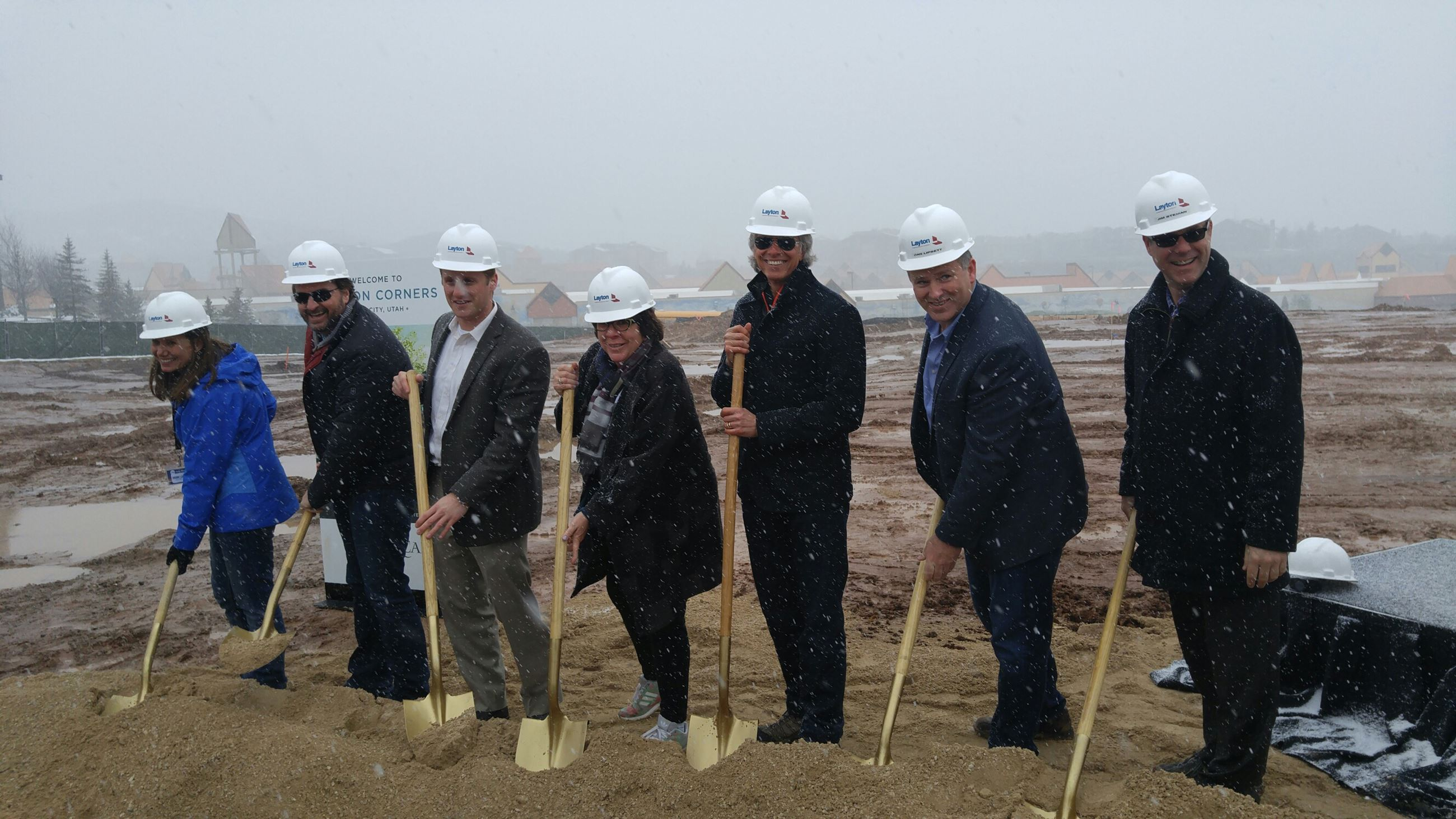 Groundbreaking new Whole Foods @ Canyon Corners